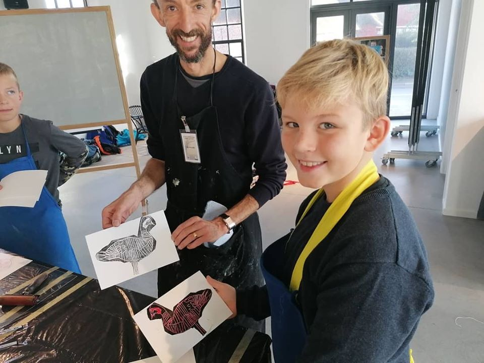 <p>Nik with one of the students form the workshop, with a barnacle goose monoprint</p>